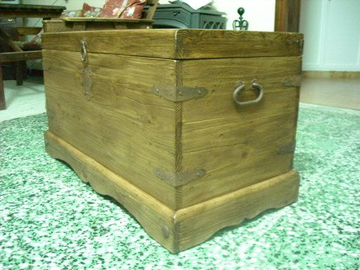 193 best baules y cofres images on Pinterest | Wooden chest, Coffer ...