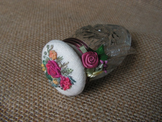 pincushion by Mydaisy2000 on Etsy, $23.00
