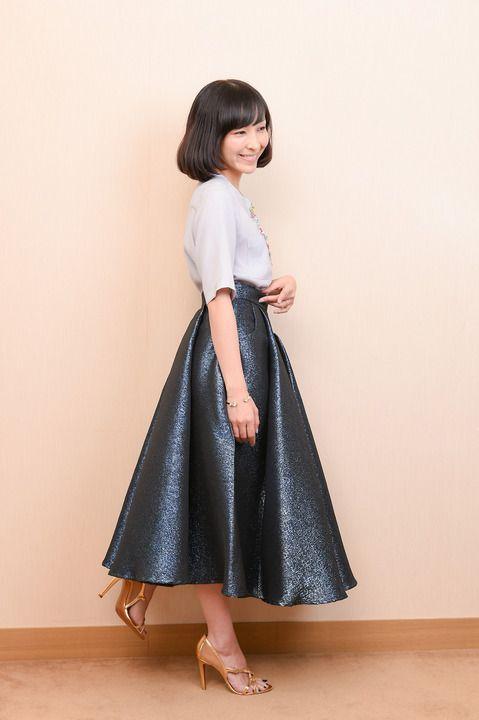 彼女がキレイな理由:麻生久美子さん 化粧は「ほぼしていない」 溶岩プレート上で筋トレも - 写真詳細 - 毎日キレイ
