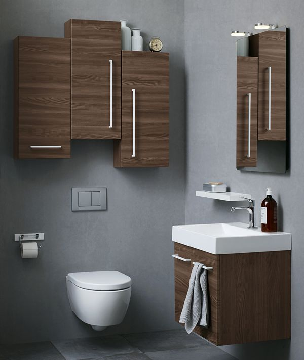 Break up the clean and simple Dansani style by mixing heights and handles on wall cabinets for a surprising effect.