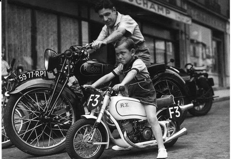 #Americana - Motor bikes for kids have been around for a while.  #Vintage #Bikes