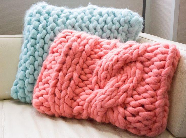 1000 id es sur le th me coussins tricot s sur pinterest oreillers tricot s housses de. Black Bedroom Furniture Sets. Home Design Ideas
