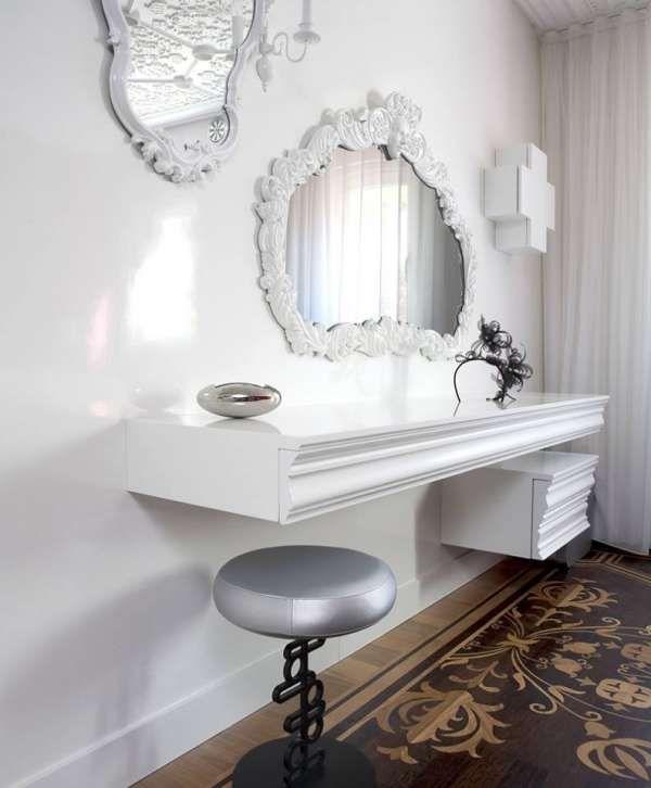 Les 25 meilleures id es concernant coiffeuse avec miroir for Meuble qui s accroche au mur