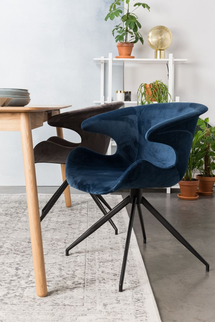 Some people like a pet to greet them when they come home. At Zuiver we created an alternative for those cute pets: Chair Mia! Have you ever seen a more welcoming chair? Notice how our Mia beckons you to come … Continued
