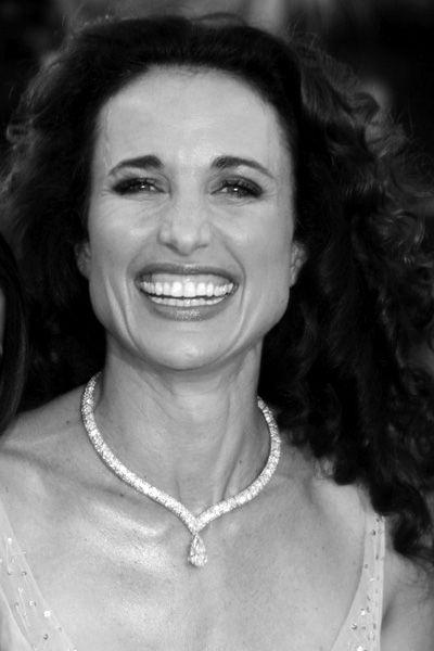 Andie MacDowell beautiful smile with white teeth. #dental ...