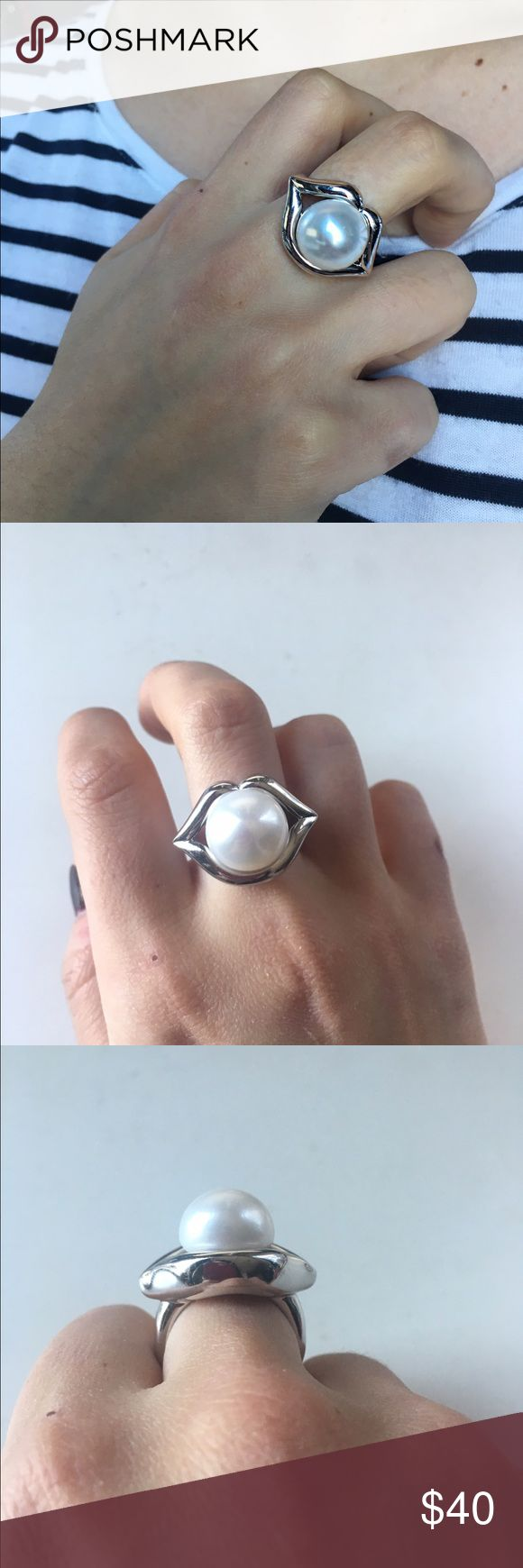 -PEARL LIPS STATEMENT RING- Amazing cocktail ring featuring enormous 12mm freshwater pearl, set between rhodium plated sterling silver lips. This stunner is a size 8 and is made by Honora. It's a bit too big for my fingers so I'm selling it. This is definitely a conversation starter and is incredibly substantial on the finger. Excellent condition. Honora Jewelry Rings