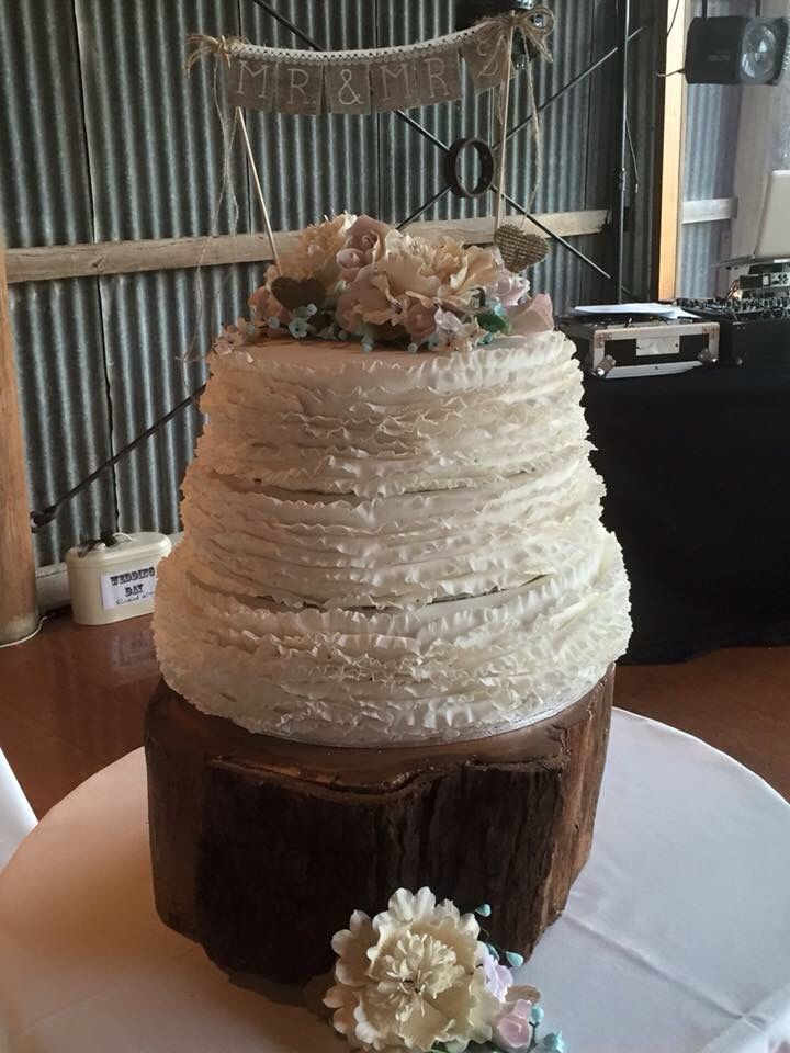 Country themed wedding cake for Elise and Nathan 2015