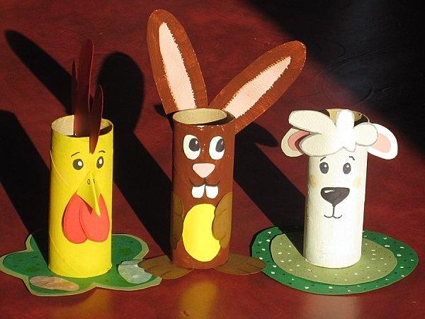 Je garde mes rouleaux de papier toilette!: Papier Wc, Rouleaux Papier, Paper, Port Crayons, Kids Crafts, Child Craft, Bricolage Pâques, Idea Bricolage, Papier Toilettes