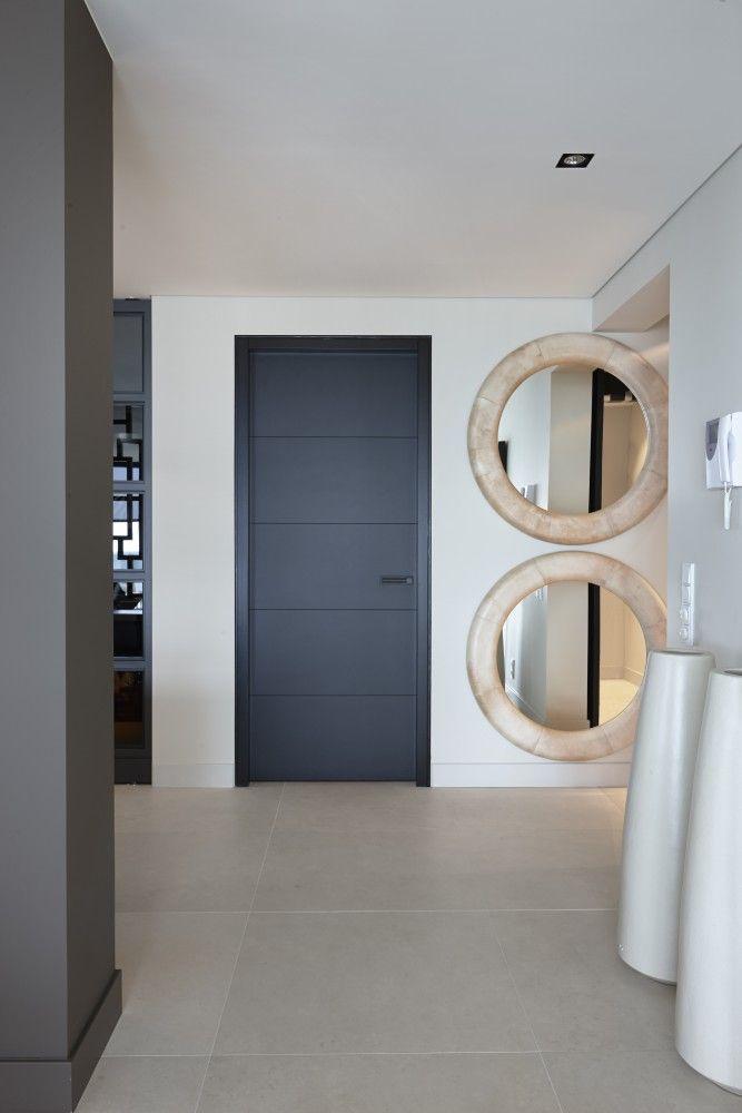 Hal met deur van Bod'or - Design by Eric Kuster - Residential - Deuren: Christian - George