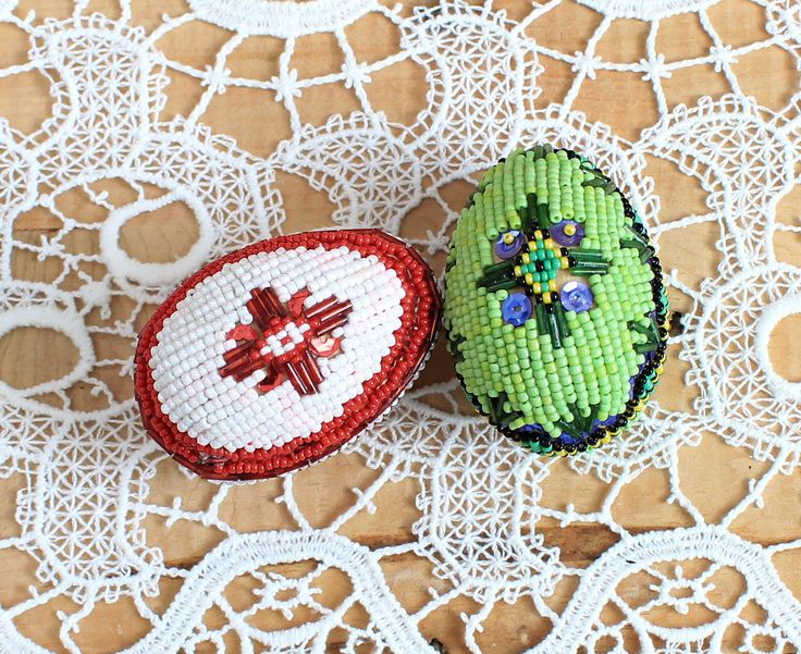Beaded Eggs, Decorated Eggs, Red and Green Eggs,  Collectible, Special Set, European, Vintage,1980s,Easter Eggs,Colorful Souvenir,Wooden egg by TreasuresByJana on Etsy