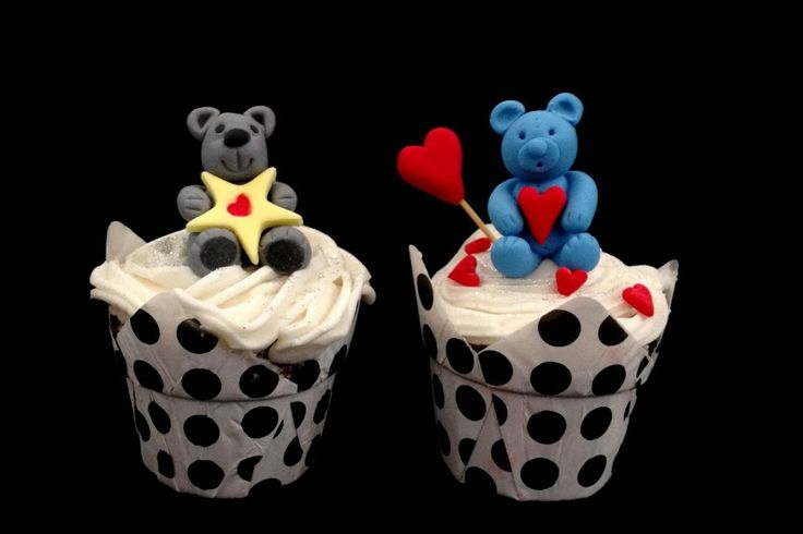 U have my Heart Valentine Cupcakes  Like us on Facebook at https://www.facebook.com/chaoscakes1