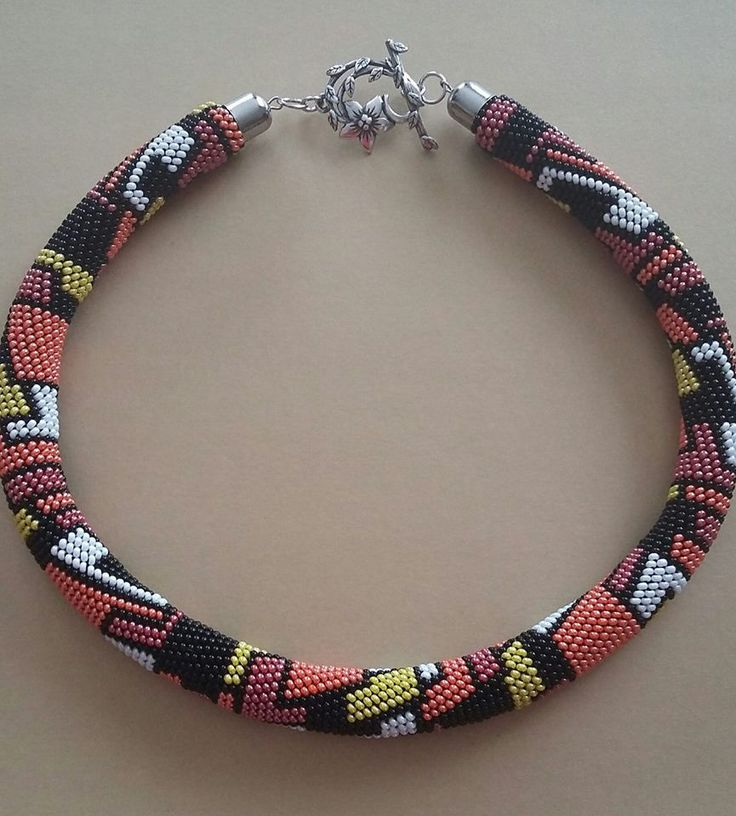 Háčkovaná dutinka, náhrdelník