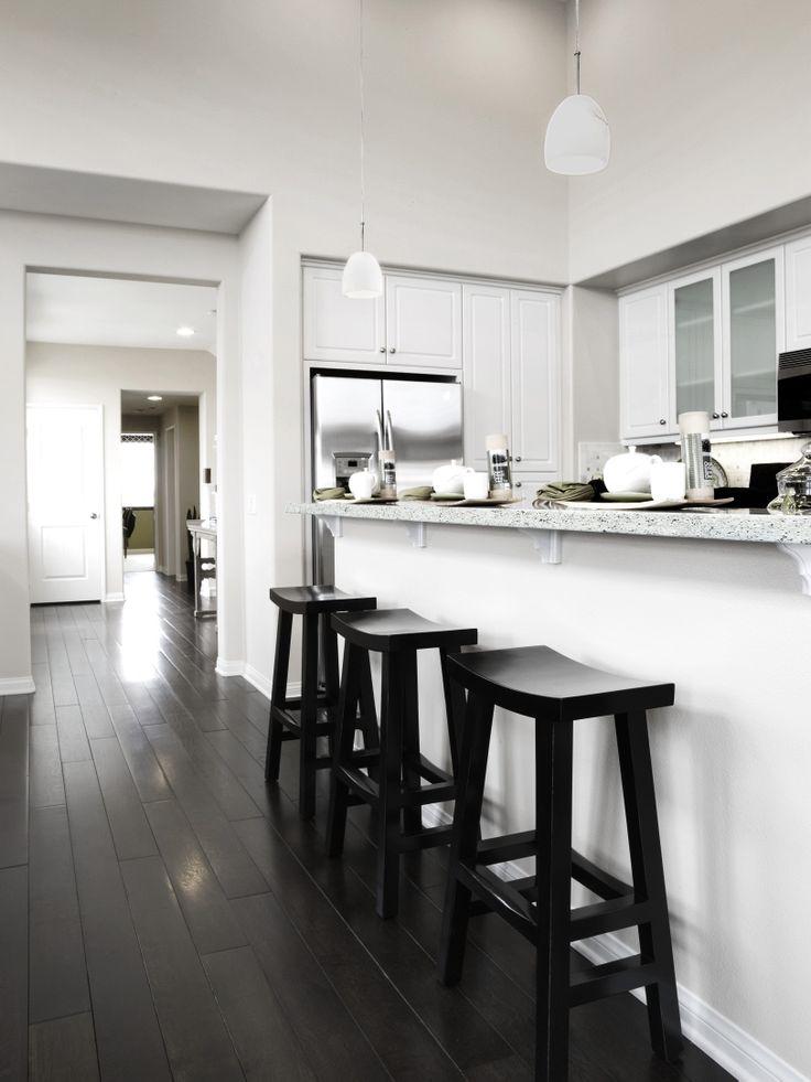 Biała kuchnia, blat white stone (Pfleiderer)/ white kitchen, white stone worktop