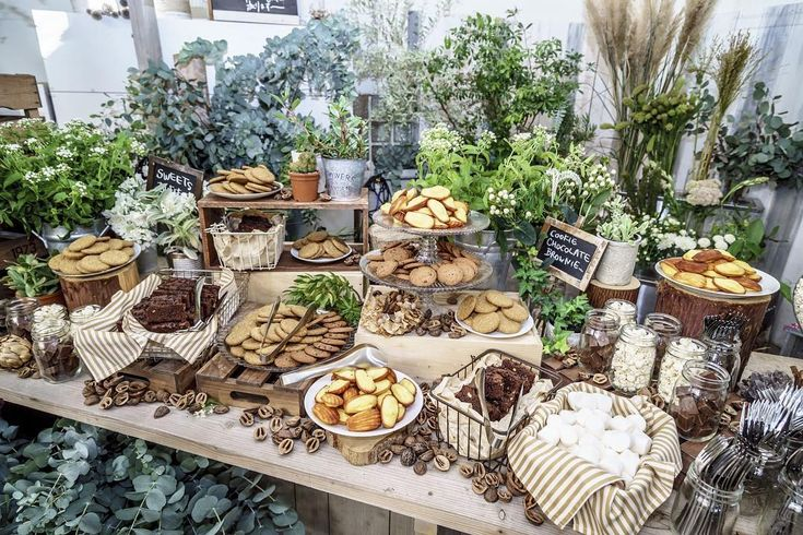 "87 Likes, 3 Comments - CRAZY KITCHEN (@crazy_kitchen_insta) on Instagram: ""焼き菓子のスイーツブッフェ。カジュアルなウェディングでは、こんなカフェみたいなデザートもあり。  #crazykitchen #クレイジーキッチン #catering #ケータリング #buffet…"""