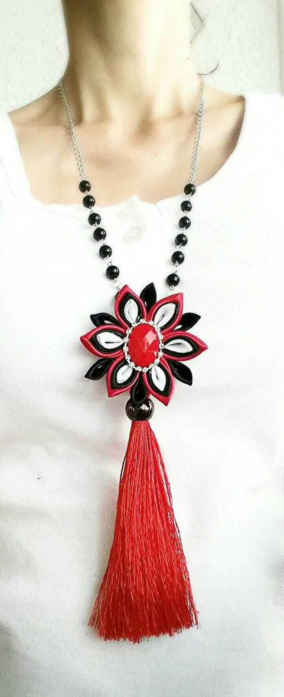 Largo collar flor borla collar collar de por LenajewelleryDesign                                                                                                                                                                                 Más