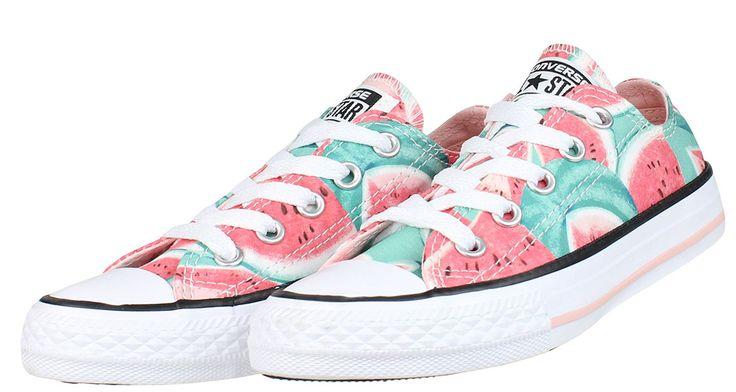 Παιδικά+δετά+sneakers+για+κορίτσια+CONVERSE+σε+απόχρωση+ρόζ/πολύχρωμο.  ΥΛΙΚΟ:+Ύφασμα/canvas.  Επιλέξτε+ένα+νούμερο+μικρότερο,έχει+μεγάλη+φόρμα.