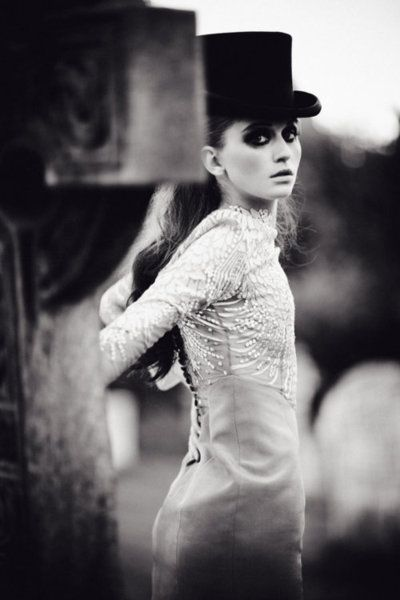 Cemetery stop after the Model requested Shoot, the graveyard, please.