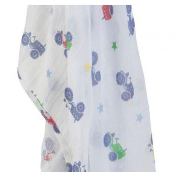 Musolina in cotone biologico di 120x120 cm. Ideale per avvolgere, prottegere o asciugare il neonato con stampa di trattori in colori primari.