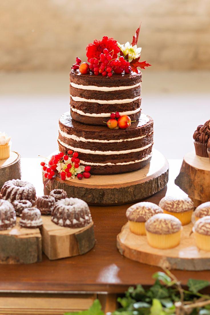 Candy Bar mit Nakedcake, Cupcakes und Cakepops von True Cupcakes Mannheim www.truecupcakes.de Fotografiert von WeitBlick Fotografie www.weitblick-fotografie.de Konzept und Dekoration von Romina Certa Weddings & Events www.rominacerta.de
