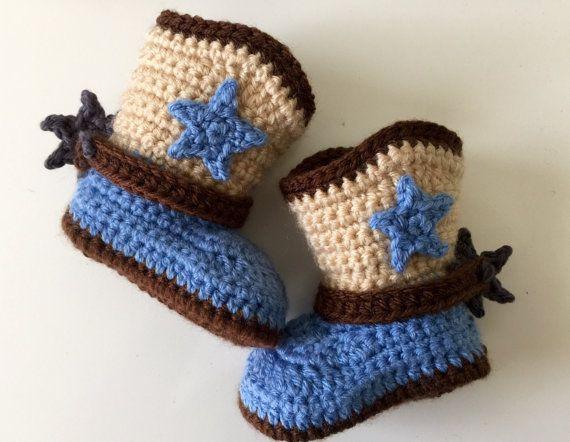 Stivali da Cowboy bambino, Baby Boy stivali, stivali da Cowboy neonato, Crochet stivali da Cowboy, Stars, cinturino e Spurs, 4 taglie disponibili, bambino stivali