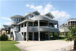 Touch+of+Grey+Outer+Banks+Rentals+|+Gulls+Flight+-+Semi-Oceanfront+OBX+Vacation+Rentals