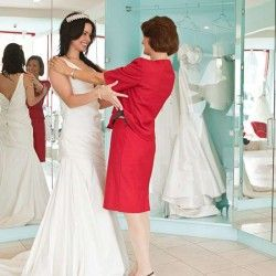things-that-need-to-be-considered-before-you-pick-your-pre-loved-wedding-dress