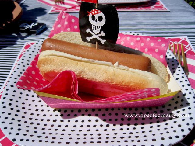 Hot dogs at a Pirate Girl Party #pirate #partyfood