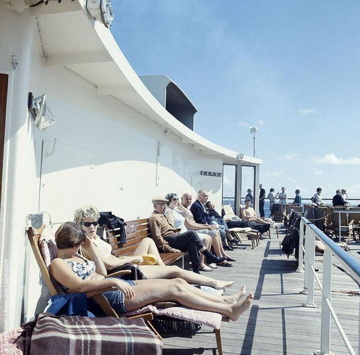SS Rotterdam, fifties. Mijn eerste bezoek aan dit mooie schip was in 2015 (we hadden een feestje) en een rondleiding in 2016 tijdens de wereldhavendagen.