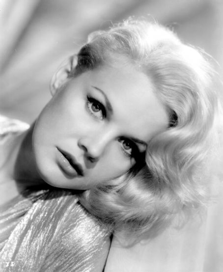 Carroll Baker (28/05/1931), actress & sole survivor of the cast of 'The Big Country' from 1958.