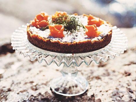 Laxtårta med pepparrot | Recept.nu