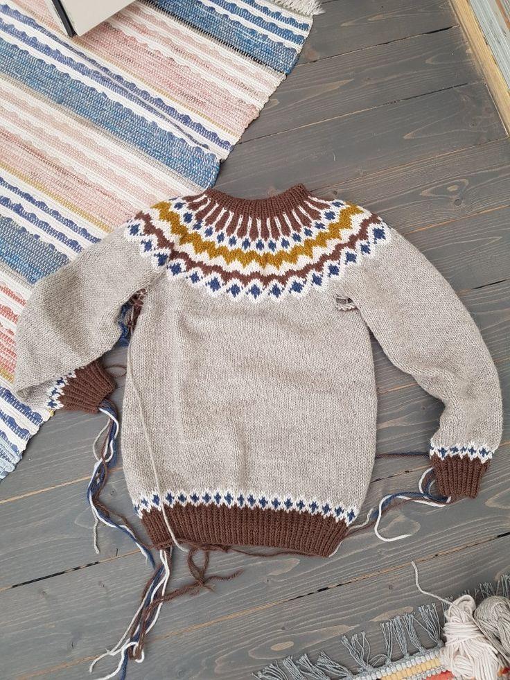 Norahs tröja juni-17