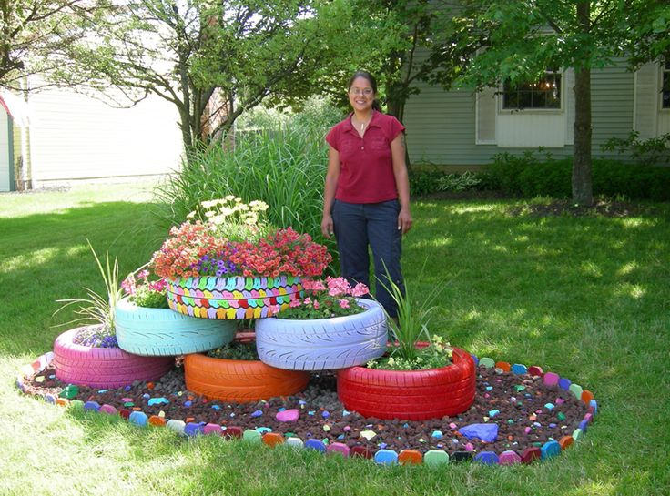 1000 images about outside the house on pinterest - Painted tires for flowers ...