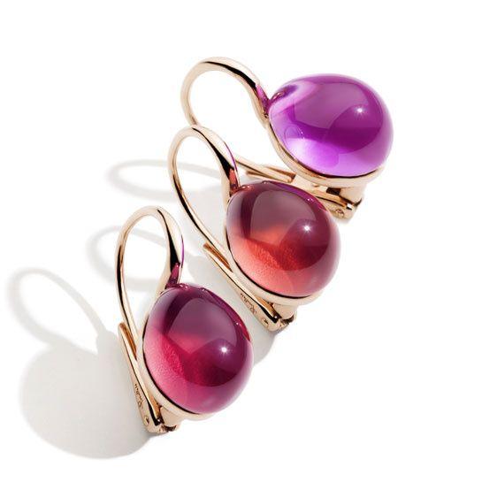 Les boucles doreilles Rouge Passion de Pomellato http://www.vogue.fr/joaillerie/le-bijou-du-jour/diaporama/les-boucles-d-oreilles-rouge-passion-de-pomellato/12641
