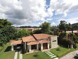10 casas rústicas perfeitas para quem tem um terreno no campo. https://www.homify.pt/livros_de_ideias/3031231