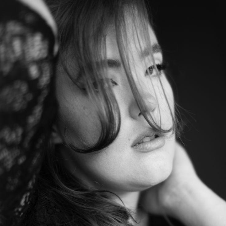 Jennifer Tunic Black Photo: Nanna Hänninen Make up&Hair: Satu Arvo Model: Ninja Sarasalo