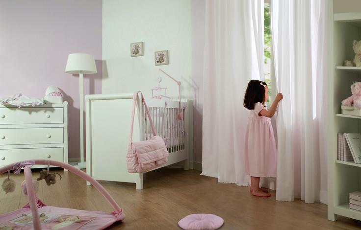 Little girl in a Garda bedroom  #Tartineetchocolat #garda #kids #pink #littlegirl