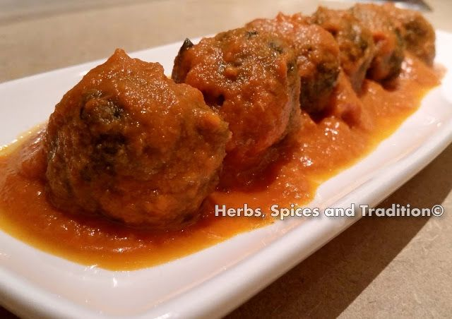 Herbs, Spices and Tradition: SPINACH BALLS IN TOMATO CURRY