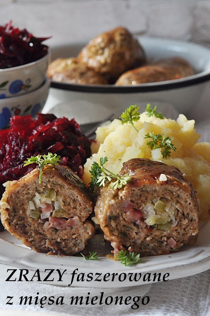 Zrazy faszerowane z mięsa mielonego. Dzisiaj Wam polecam na obiad pyszne faszerowane zrazy z mięsa mielonego, podane z ziemniakami i tartymi burakami. W necie widziałam nazwę na tak przygotowane mięso – oszukane zrazy, które do złudzenia wyglądają jak wołowe zrazy … Czytaj dalej →