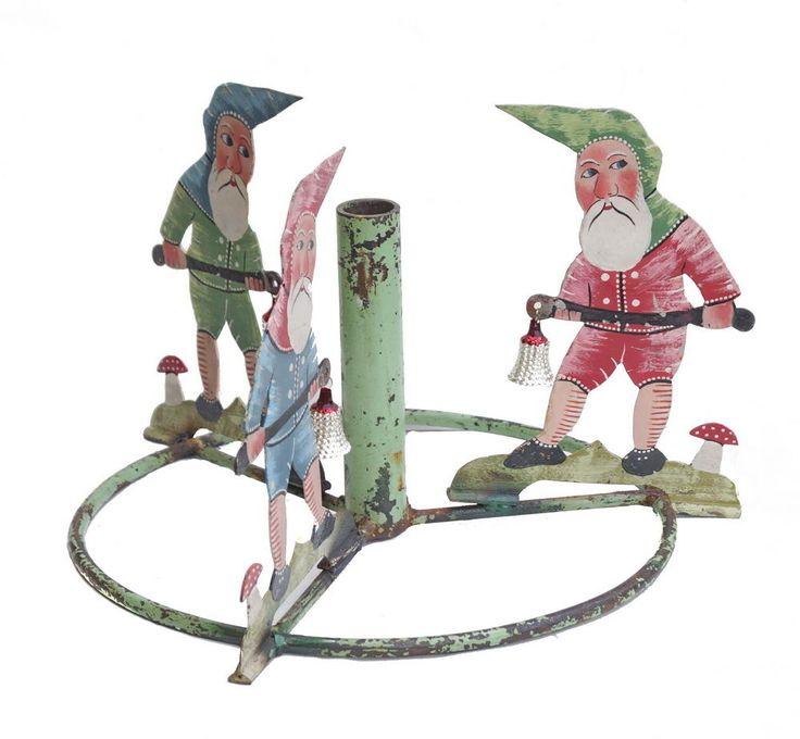 Antiker Christbaumständer aus Metall - 3 Zwerge mit Fliegenpilz (# 6482)