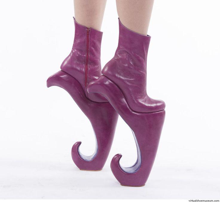 Circus heels | Tali Sorit