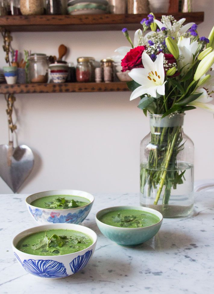 This is the best soup, I absolutely love it – it's just so soothing. It really feels so nurturing and healing too, you can feel with each sip that you're doing wonders for your body! The mix of spinach, broccoli, cannellini beans, garlic, spices and coriander is pretty magical: it's bursting with vitamins, minerals, fibre …