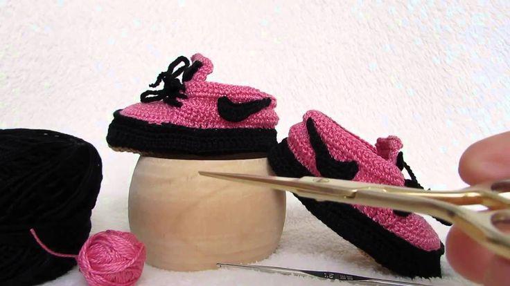 Video scarpette realizzate a uncinetto in stile Nike, per informazioni >> https://www.youtube.com/watch?v=0jQ48LrksCM Video booties made crochet style Nike, for information >> https://www.youtube.com/watch?v=0jQ48LrksCM