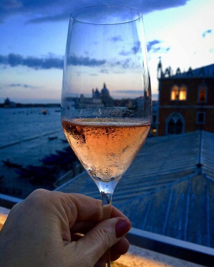 Valdo Rosé Prosecco At Terrazza Restaurant At Hotel Danieli