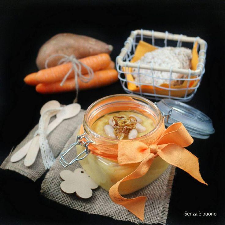 Vellutata di patate dolci e carote con fagioli cannellini e porro croccante #vegan  #senzaglutine
