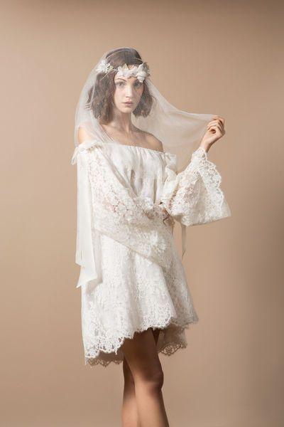 88 best robes de mariage courtes short wedding dress images on pinterest short wedding gowns. Black Bedroom Furniture Sets. Home Design Ideas