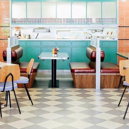 Nostalgia De Los Diners Americanos En El OverEasy Singapur Food Design Singapore