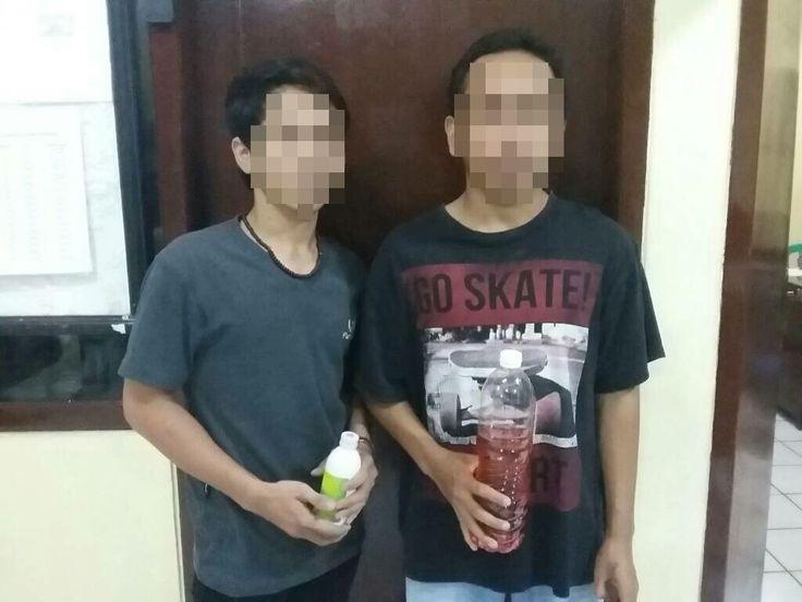 Pesta Miras Dipinggir Jalan 4 Pemuda Diamankan Petugas