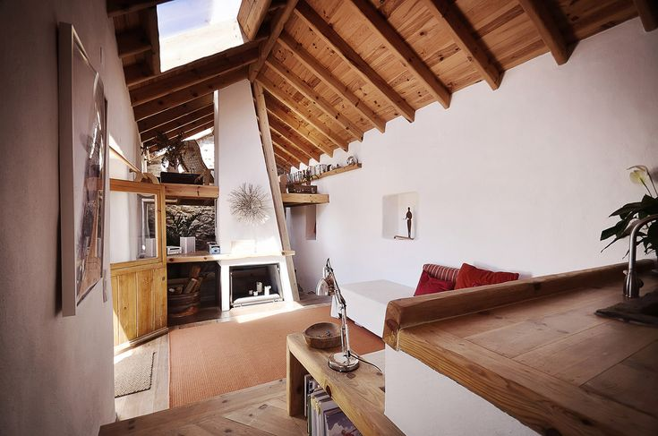 Embraced House / Pedro Quintela