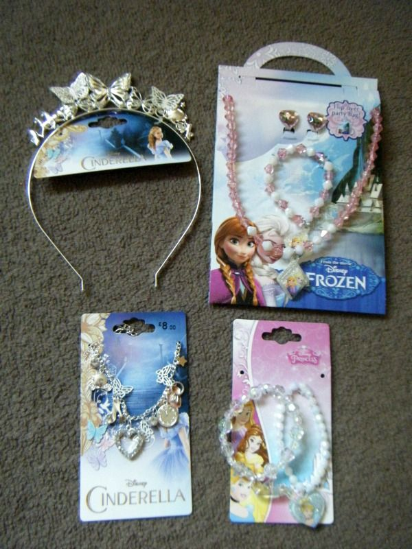 #Win Cinderella & Frozen Jewellery and be a #Princess4aday in this #Giveaway #competition @SerenityYou #kids #fairytale #Cinderella #frozen
