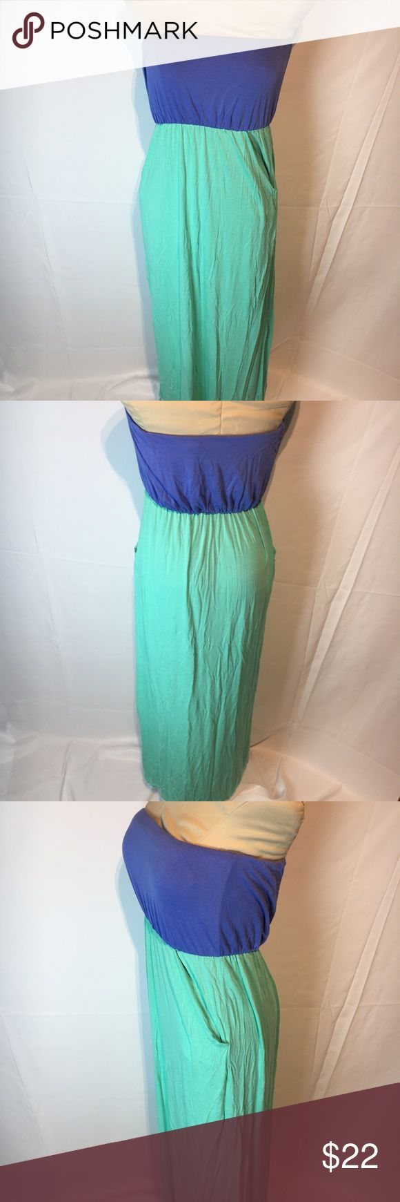 Strapless maxi dress 👗 Strapless periwinkle and turquoise maxi dress with pockets! Pixi + Ivy Dresses Maxi